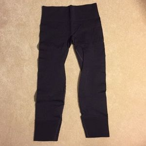 Brand new without tags lululemon cropped pants